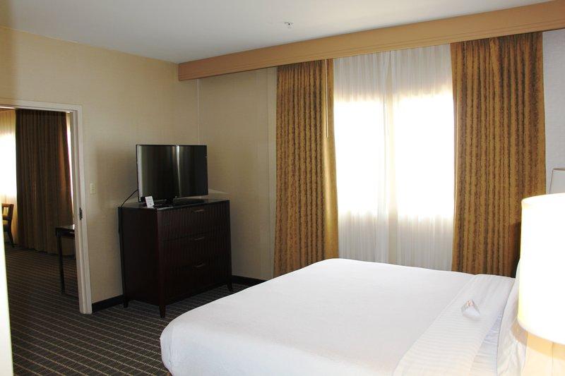 Holiday Inn Buena Park-Near Knott's-Presidential Suite Bedroom<br/>Image from Leonardo
