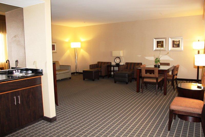 Holiday Inn Buena Park-Near Knott's-Presidential Suite - Living Area<br/>Image from Leonardo