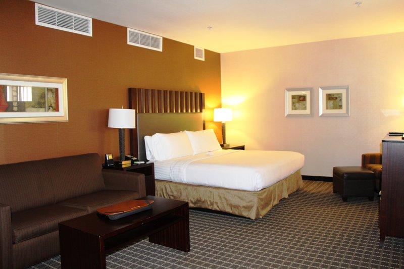 Holiday Inn Buena Park-Near Knott's-One King Suite - 5th Floor<br/>Image from Leonardo