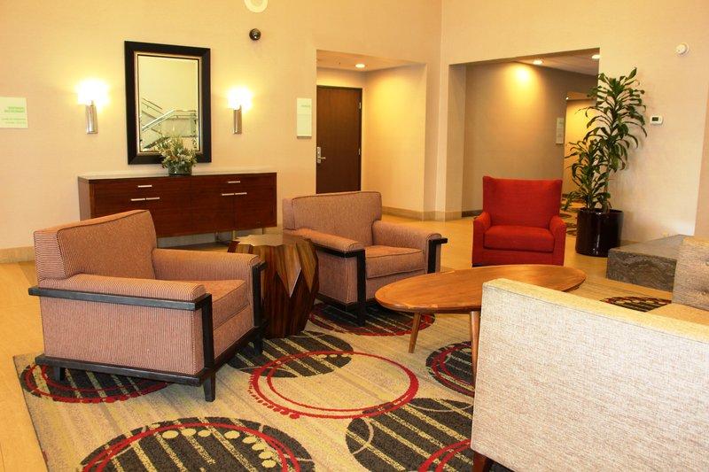 Holiday Inn Buena Park-Near Knott's-Hotel Lobby sitting area<br/>Image from Leonardo