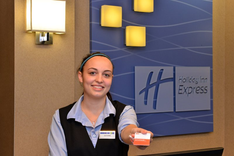 Holiday Inn Express & Suites Milwaukee-New Berlin-Front Desk<br/>Image from Leonardo