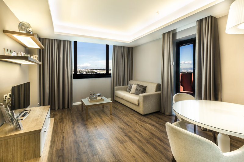 Holiday Inn Naples-Executive Suite with private terrace overlooking the Vesuvius<br/>Image from Leonardo