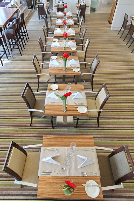 Holiday Inn Reading - M4, Jct. 10-2 AA Rosette Caprice Restaurant<br/>Image from Leonardo