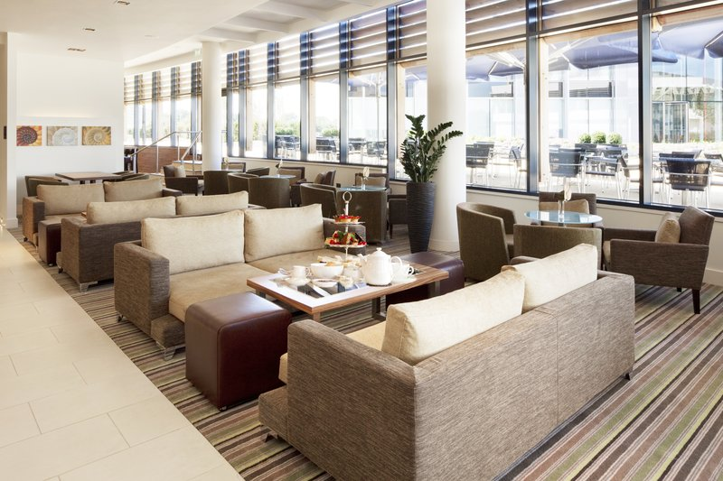 Holiday Inn Reading - M4, Jct. 10-Bar and Lounge<br/>Image from Leonardo
