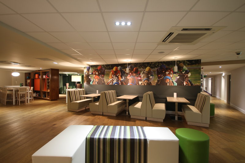 Holiday Inn Huntingdon - Racecourse-Guest Dining Lounge<br/>Image from Leonardo