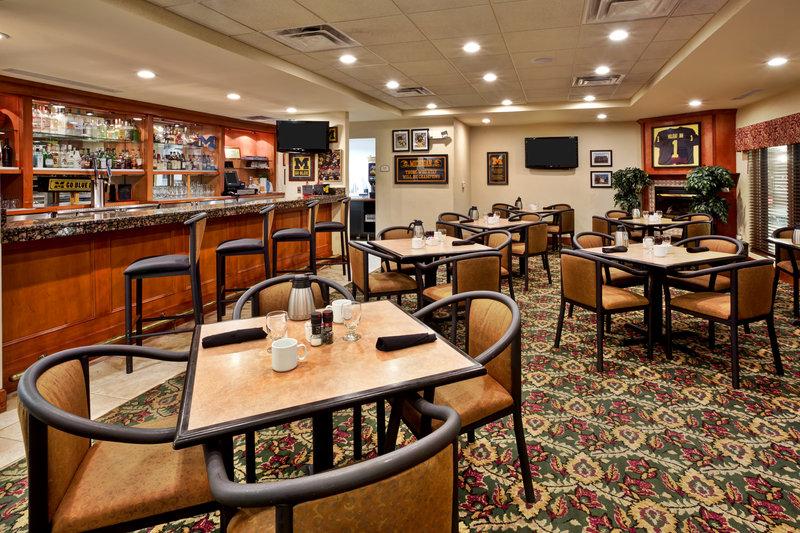 Holiday Inn Ann Arbor Univ Michigan Area-Mallett's Creek Bar & Grille<br/>Image from Leonardo