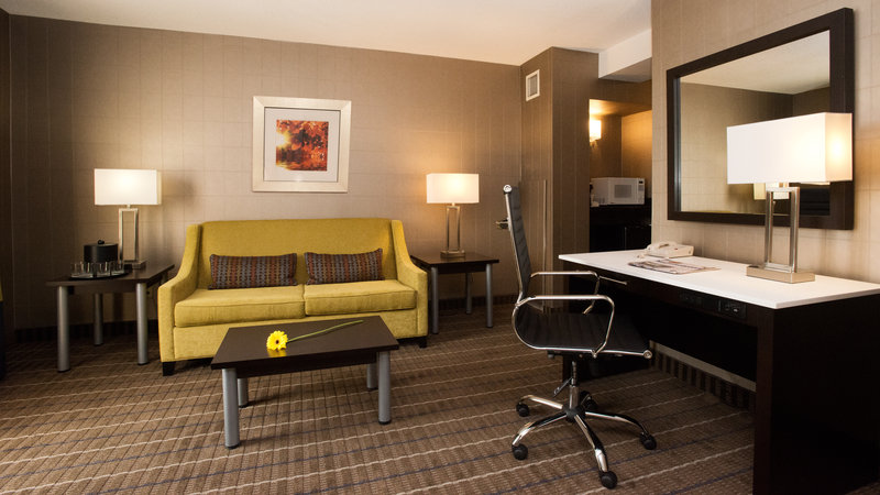 Holiday Inn Hotel & Suites Mississauga West - Meadowvale-Best Suites in Mississauga<br/>Image from Leonardo