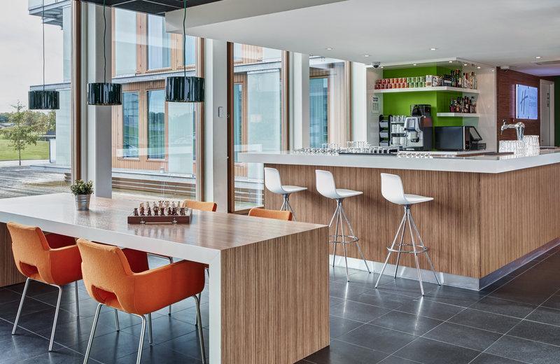 Holiday Inn Express Utrecht - Papendorp-Bar and Lounge in Holiday Inn Express Utrecht Papendorp<br/>Image from Leonardo