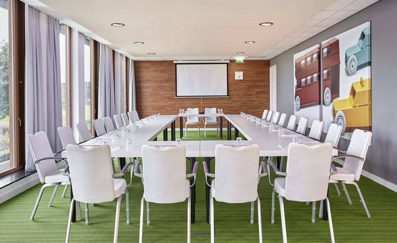 Holiday Inn Express Utrecht - Papendorp-Host you next meeting in Utrecht in our naturally lit meeting room<br/>Image from Leonardo