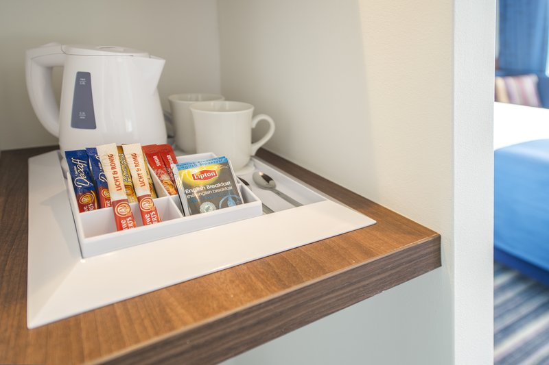 Holiday Inn Express Utrecht - Papendorp-Coffee and tea making facilities<br/>Image from Leonardo