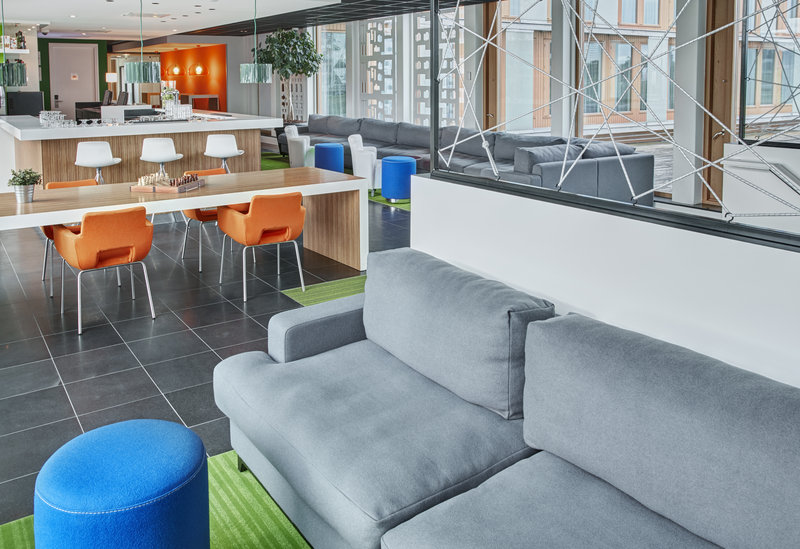 Holiday Inn Express Utrecht - Papendorp-Relax in our vibrant and modern Hotel Lobby<br/>Image from Leonardo