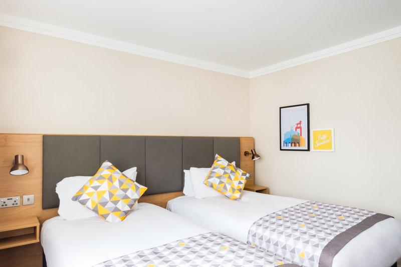 Holiday Inn High Wycombe M40, Jct. 4-Twin Room<br/>Image from Leonardo