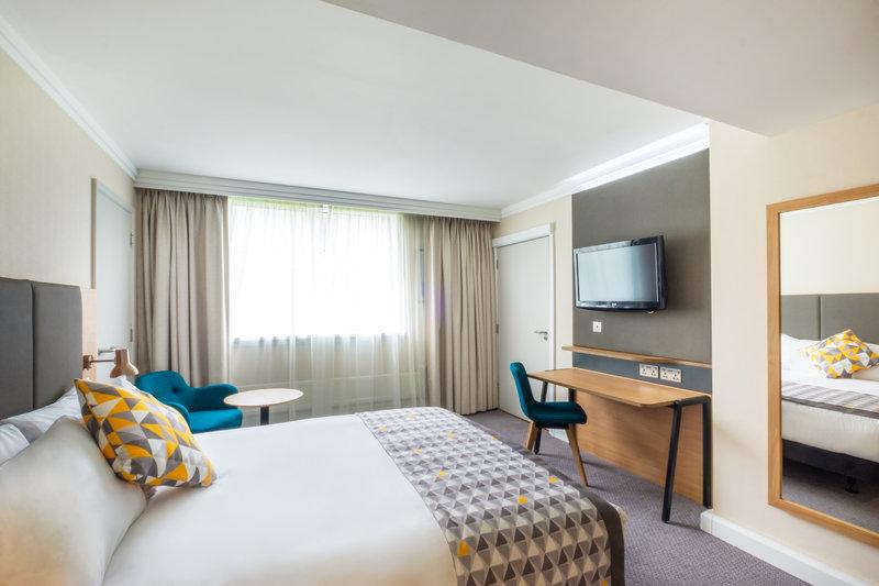 Holiday Inn High Wycombe M40, Jct. 4-Standard Room<br/>Image from Leonardo