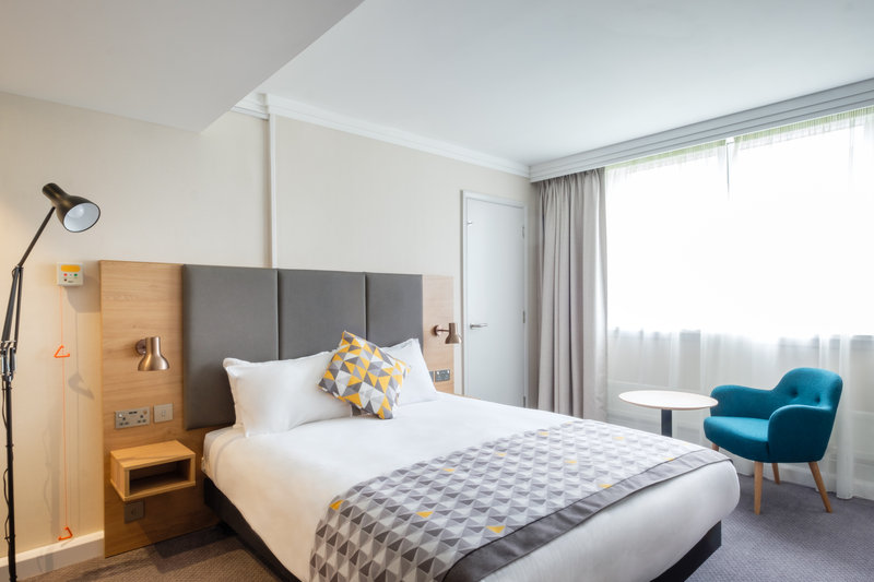 Holiday Inn High Wycombe M40, Jct. 4-Accessible Room<br/>Image from Leonardo