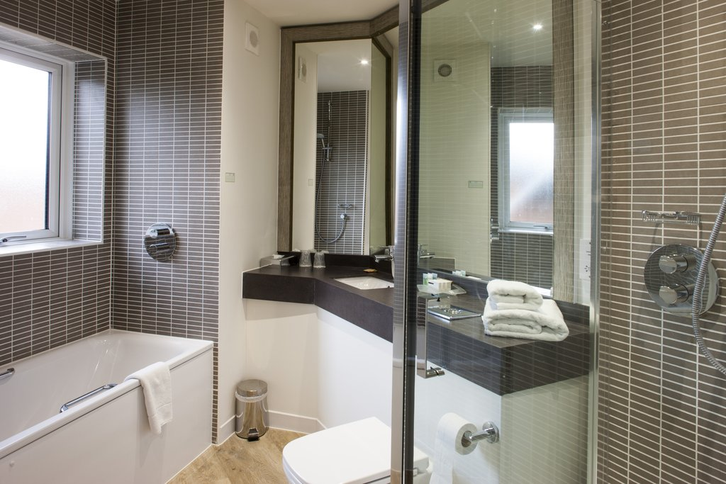 Holiday Inn Norwich - North-Guest Room<br/>Image from Leonardo
