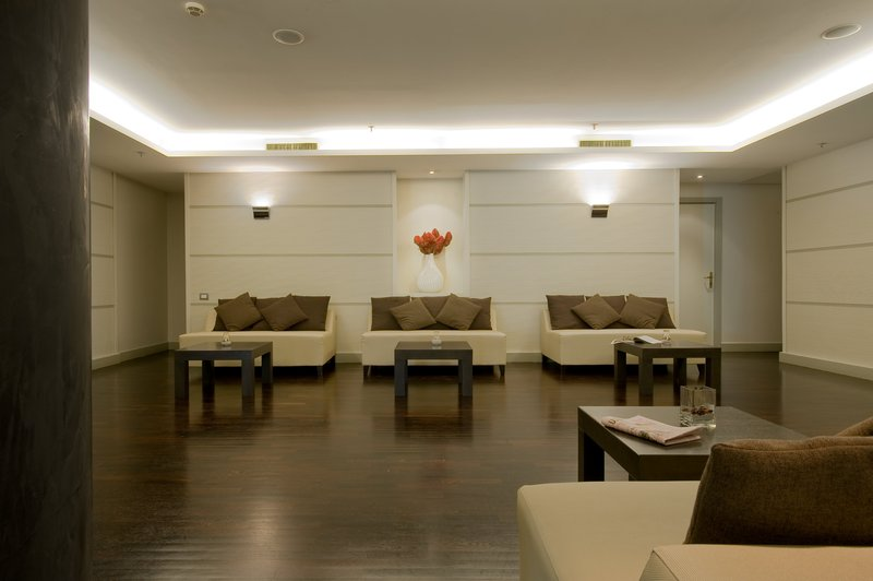 Holiday Inn Naples-Pre-function Area<br/>Image from Leonardo