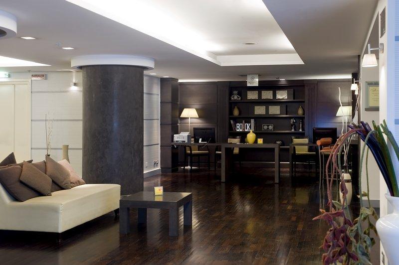 Holiday Inn Naples-Lobby Lounge<br/>Image from Leonardo