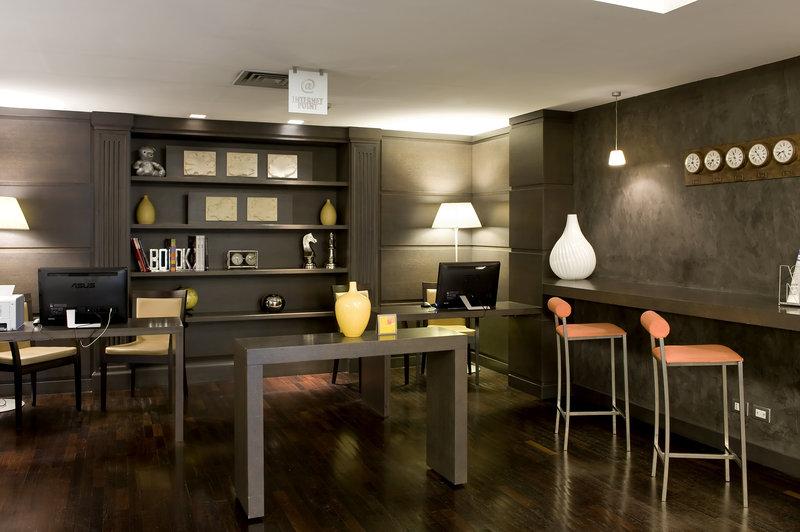 Holiday Inn Naples-Business Center<br/>Image from Leonardo