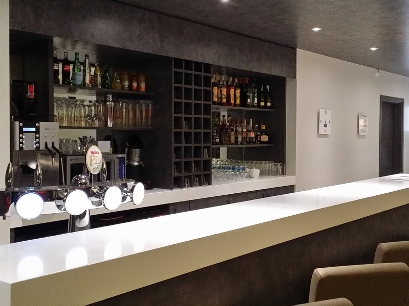 Holiday Inn Express Strasbourg - Centre-Bar and Lounge<br/>Image from Leonardo