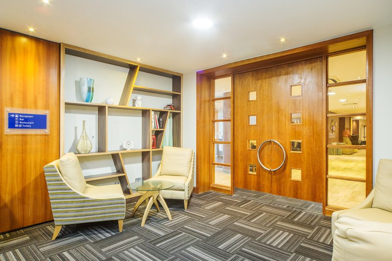Holiday Inn High Wycombe M40, Jct. 4-Academy Lounge seating<br/>Image from Leonardo