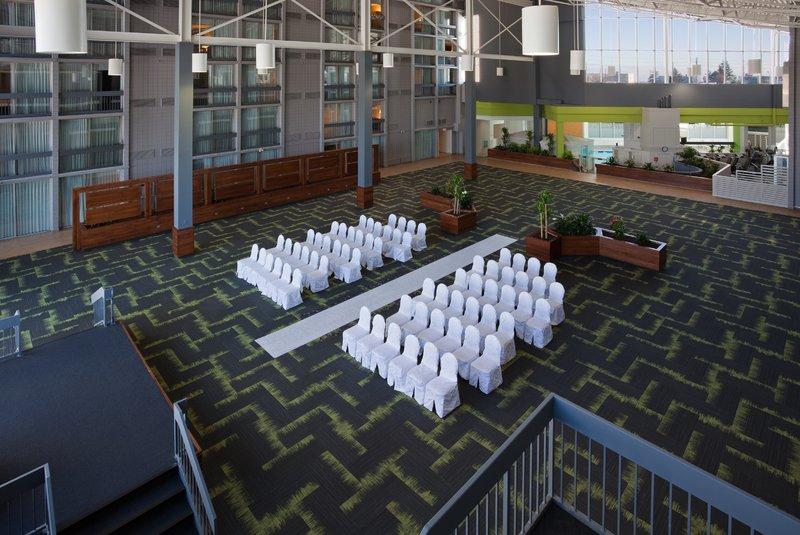 Holiday Inn Burlington - Hotel & Conf Centre-Open Atrium Area<br/>Image from Leonardo