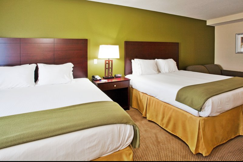 Holiday Inn Express Crystal River-Two Queen Size Beds<br/>Image from Leonardo