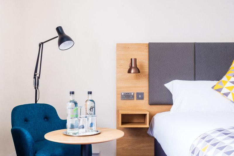 Holiday Inn High Wycombe M40, Jct. 4-Executive Room Amenity<br/>Image from Leonardo