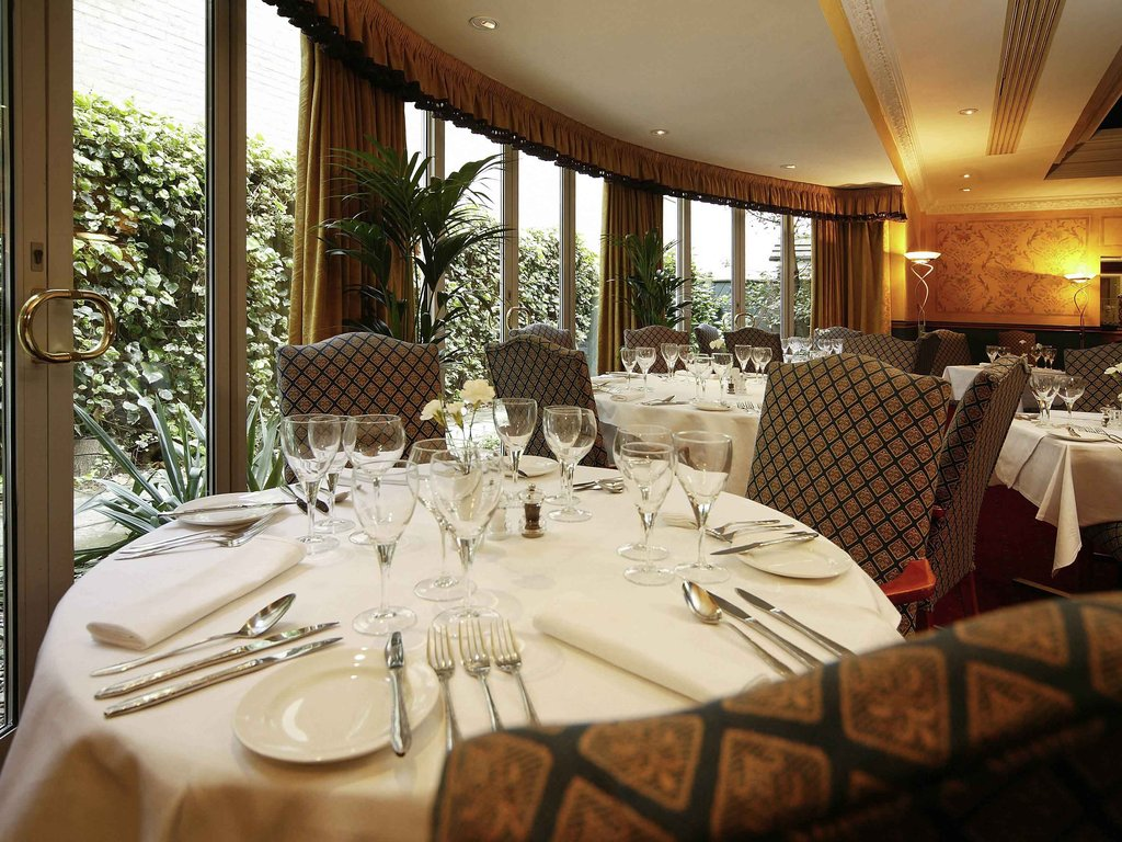 Mercure York Fairfield Manor-Restaurant<br/>Image from Leonardo