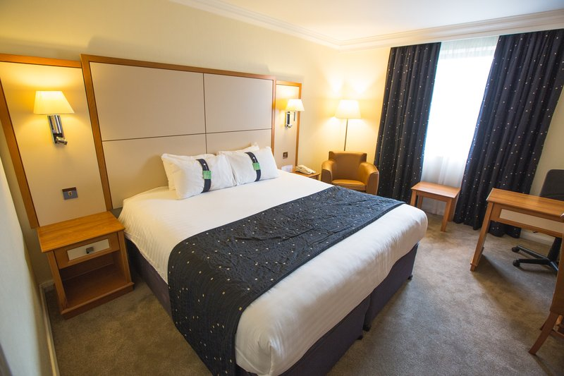 Holiday Inn Nottingham-Executive Room - air conditioned, laptop safe and fridge<br/>Image from Leonardo