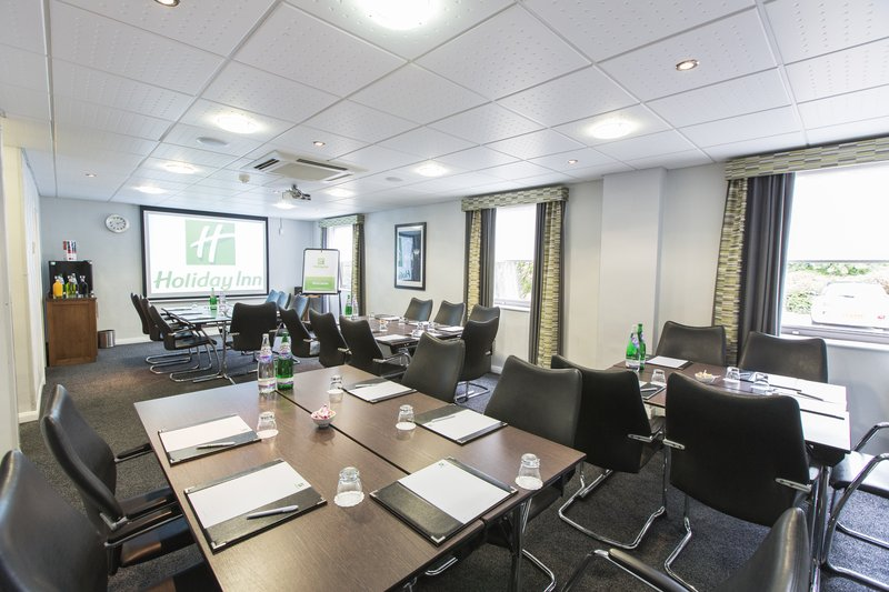 Holiday Inn Nottingham-Clumber Suite - Caberet Style<br/>Image from Leonardo