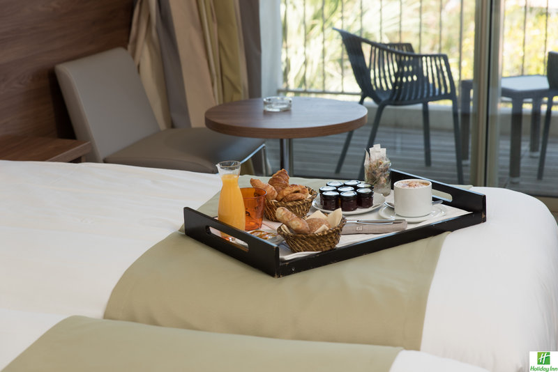 Holiday Inn Cannes-Nice breakfast in your room<br/>Image from Leonardo