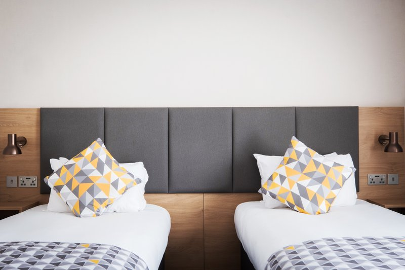 Holiday Inn Farnborough-Relax in our comfortable twin beds <br/>Image from Leonardo