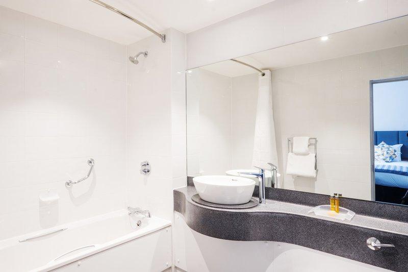 Holiday Inn Farnborough-Enjoy our en-suite bathroom with amenities<br/>Image from Leonardo