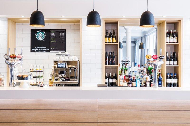 Holiday Inn Farnborough-Enjoy a drink from our bar<br/>Image from Leonardo