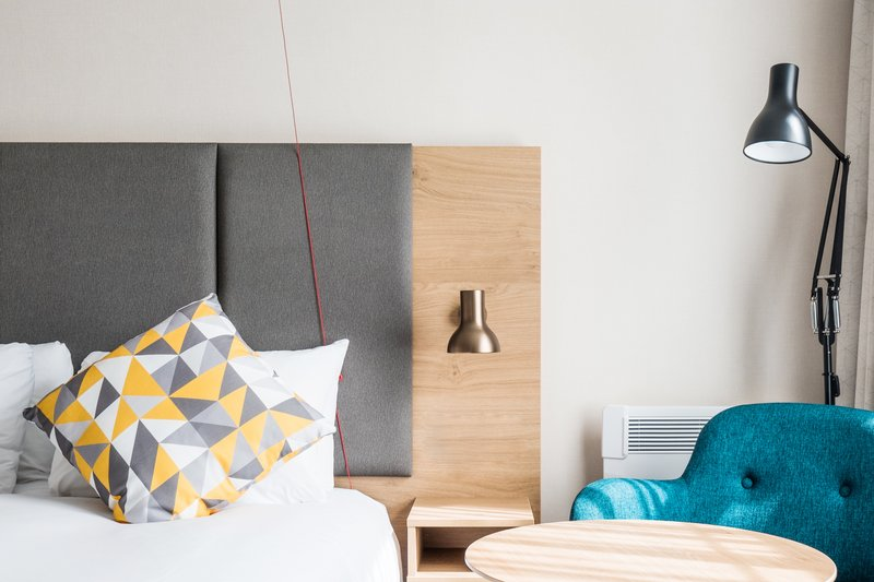 Holiday Inn Farnborough-Accessible room with an emergency support cord for guests<br/>Image from Leonardo