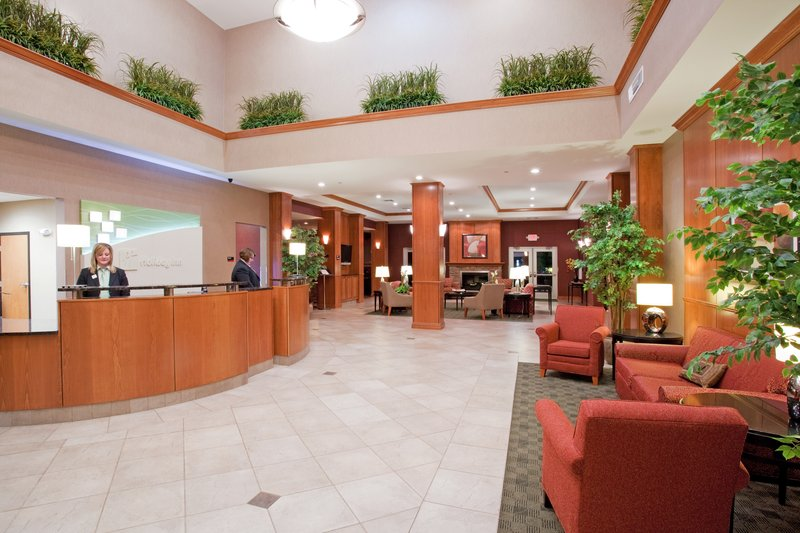 Holiday Inn Casper East - McMurry Park-Enjoy the spacious lobby while planning your next adventure<br/>Image from Leonardo
