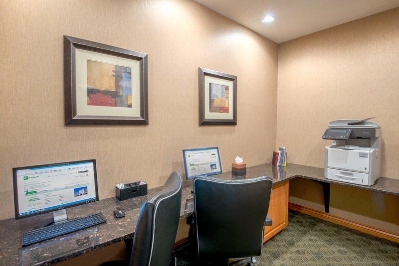 Holiday Inn Casper East - McMurry Park-Two Computers, printing and fax to keep you connected<br/>Image from Leonardo