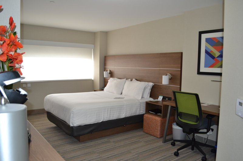 Holiday Inn Express &amp; Suites St. John Harbour Sde-Accessible Rooms Were Designed With Comfort & Convenience In Mind<br/>Image from Leonardo