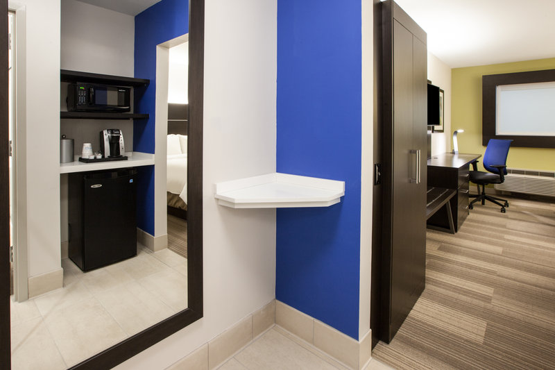 Holiday Inn Express Radcliff - Fort Knox-Room Feature <br/>Image from Leonardo