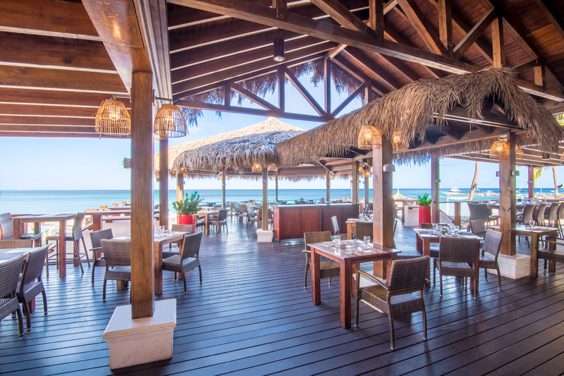 Holiday Inn Resort Aruba - See Breeze Restaurant and Bar  <br/>Image from Leonardo