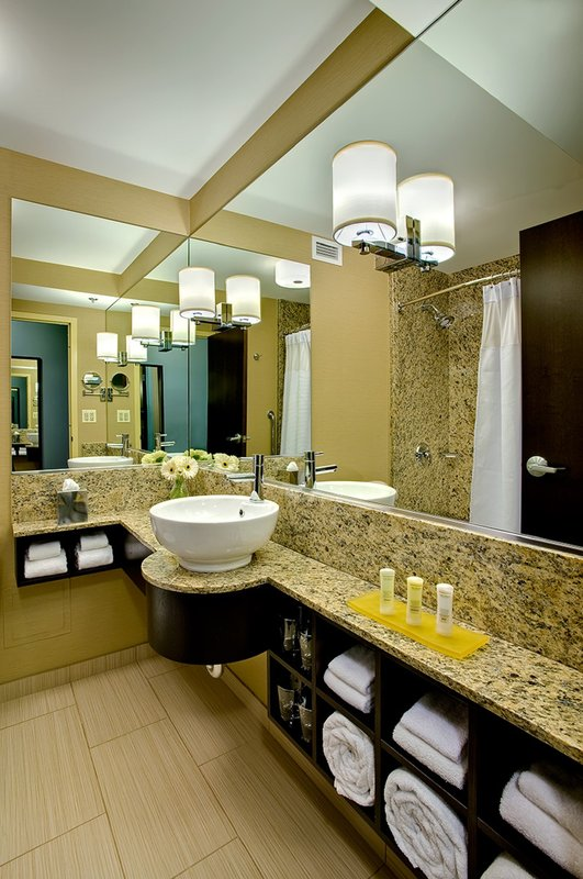 Crowne Plaza Chicago Ohare Hotel & Conference Center-Bathroom Amenities<br/>Image from Leonardo