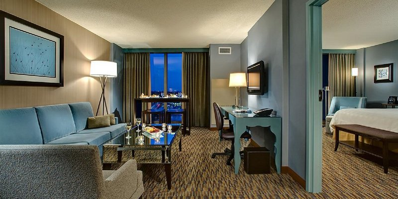 Crowne Plaza Chicago Ohare Hotel & Conference Center-Executive Suite Sitting Area<br/>Image from Leonardo