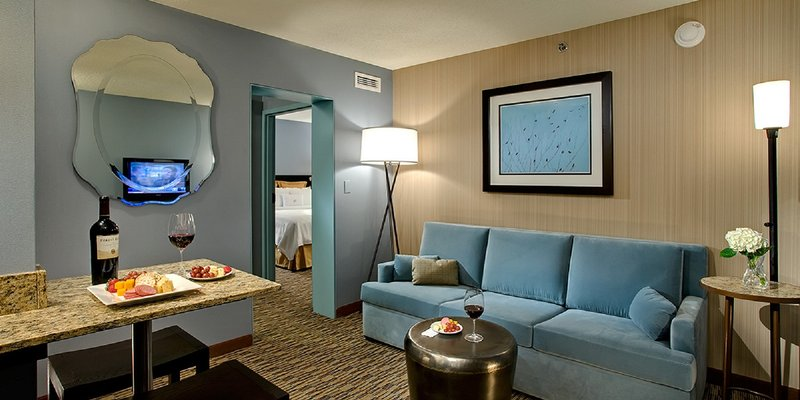 Crowne Plaza Chicago Ohare Hotel & Conference Center-Executive Suite<br/>Image from Leonardo