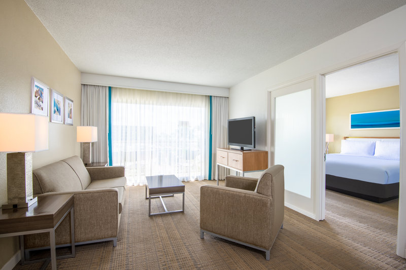 Holiday Inn Resort Aruba - Junior Suite  <br/>Image from Leonardo