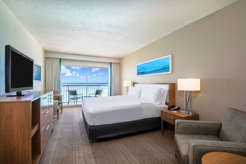 Holiday Inn Resort Aruba - King Bed Ocean Front Nonsmoking  <br/>Image from Leonardo