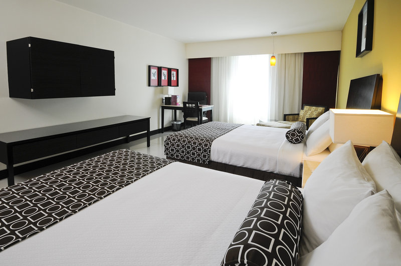 Crowne Plaza Villahermosa-Double Bed Guest Room<br/>Image from Leonardo