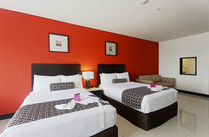 Crowne Plaza Villahermosa-Beautiful Double Beds<br/>Image from Leonardo