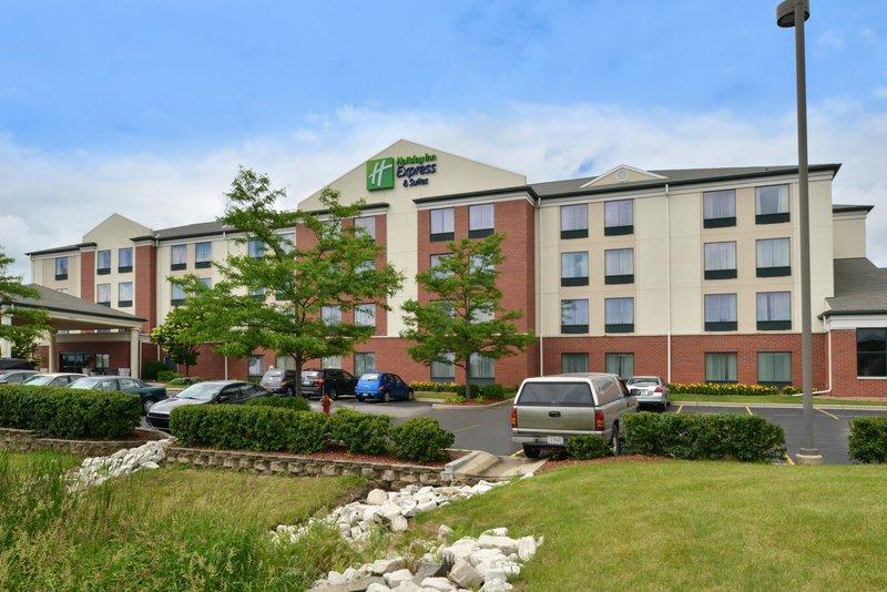 Holiday Inn Express & Suites Milwaukee-New Berlin-Hotel Exterior<br/>Image from Leonardo