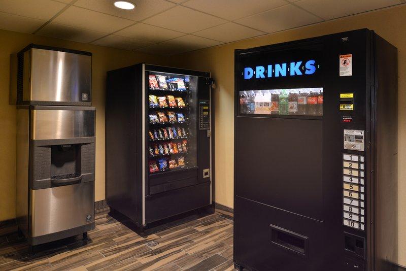 Holiday Inn Express & Suites Milwaukee-New Berlin-Vending Area<br/>Image from Leonardo