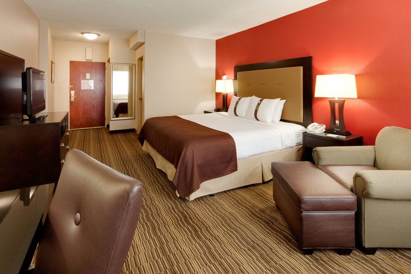 Holiday Inn Syracuse - Liverpool - Exit 37-King Bed Guest Room<br/>Image from Leonardo